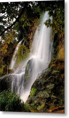 Metal Print featuring the photograph Rifle Falls by Priscilla Burgers