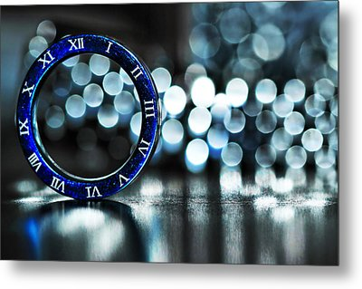 Ring Of Time Metal Print by Suradej Chuephanich