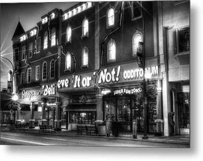 Ripley's Of Gatlinburg In Black And White Metal Print by Greg and Chrystal Mimbs