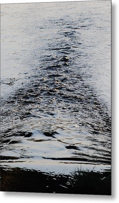 Metal Print featuring the photograph Ripples In A V by Ramona Whiteaker
