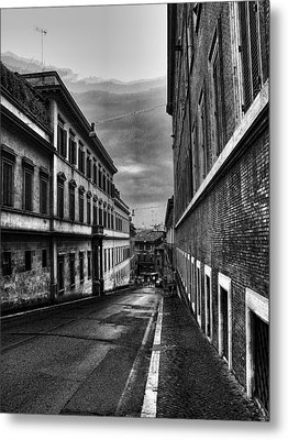 Metal Print featuring the photograph Road At Night by Oscar Alvarez Jr