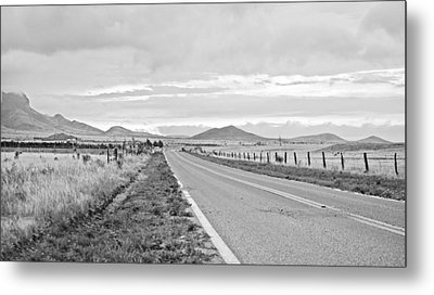 Road To Elgin Metal Print by Swift Family