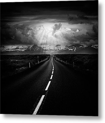 Road Trip Metal Print by Ian Good