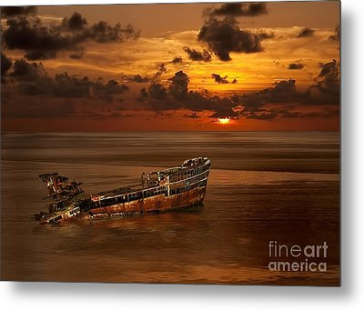 Roatan Shipwreck Metal Print by Shirley Mangini