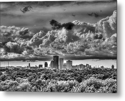 Rochester Ny Skyline In Black And White Metal Print