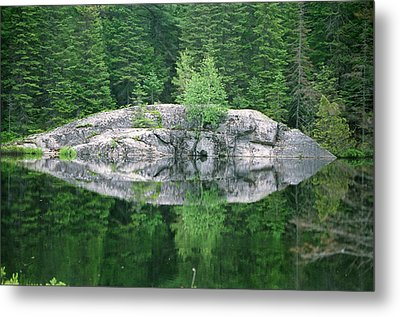 Metal Print featuring the photograph Rocky Reflection by David Porteus