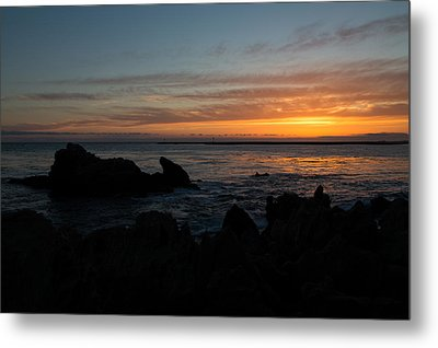 Rocky Sunset At Corona Del Mar Metal Print by John Daly