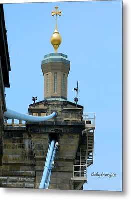 Metal Print featuring the photograph Roebling Bridge From Kentucky by Kathy Barney