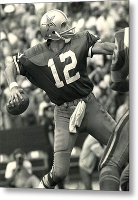 Roger Staubach Vintage Nfl Poster Metal Print by Gianfranco Weiss