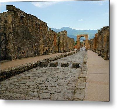 Roman Street In Pompeii Metal Print by Alan Toepfer