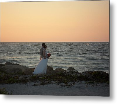 Romance In Captiva Metal Print by Val Oconnor