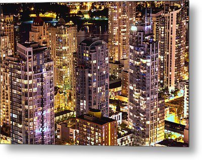 Metal Print featuring the photograph Romance In Yaletown Mcdxxxi by Amyn Nasser