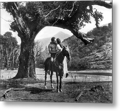 Romantic Kiss On Horseback Metal Print by Underwood Archives