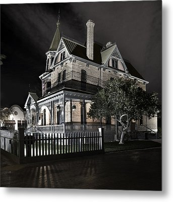 Rosson House Haunted Black And White Metal Print