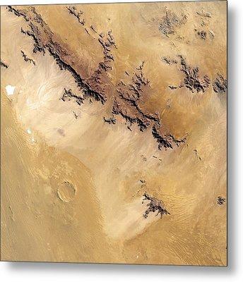 Roter Kamm Crater Metal Print by Nasa
