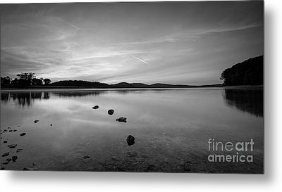 Round Valley At Dawn Bw Metal Print
