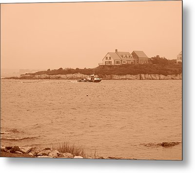 Metal Print featuring the photograph Rounding The Point by Jean Goodwin Brooks