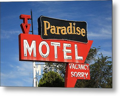 Route 66 - Paradise Motel Metal Print by Frank Romeo
