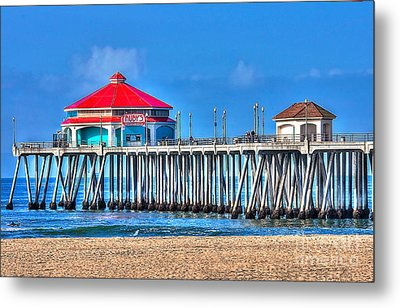Ruby's Surf City Diner - Huntington Beach Pier Metal Print