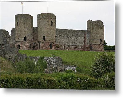 Metal Print featuring the photograph Ruddlan Castle 2 by Christopher Rowlands