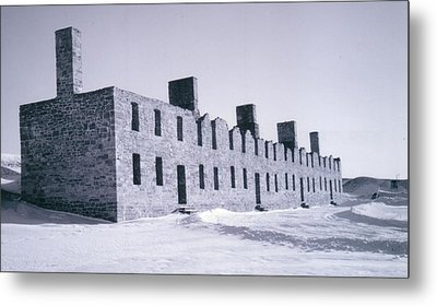 Ruins In Winter Metal Print by David Fiske