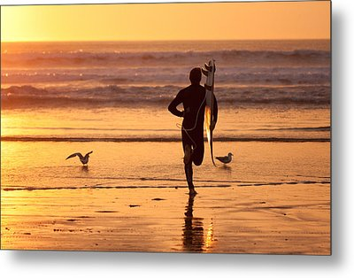 Metal Print featuring the photograph Running To Surf by Nathan Rupert