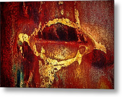 Rusty Kiss Metal Print by Leanna Lomanski