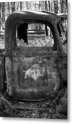 Rusty Rino In Black And White Metal Print by Greg Mimbs