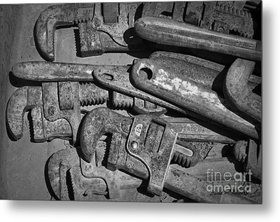 Rusty Wrenches Bw Metal Print by Dave Gordon
