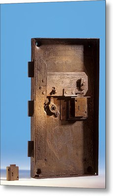 Safe Door From The Titanic Metal Print by Science Photo Library