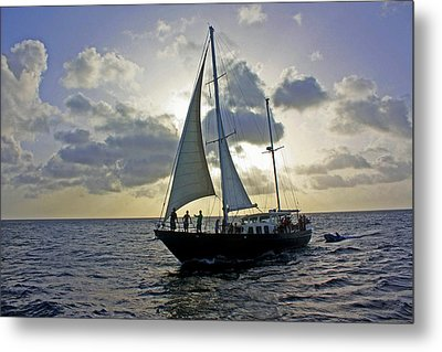 Sailing In Aruba Metal Print by Suzanne Stout