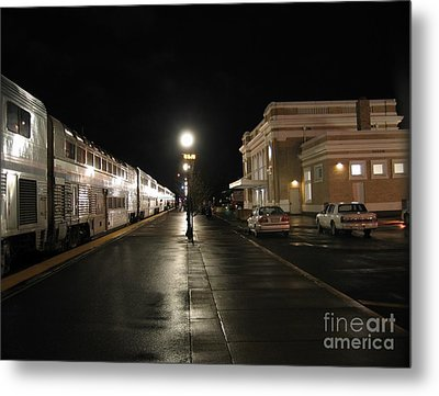 Metal Print featuring the photograph Salem Amtrak Depot At Night by James B Toy