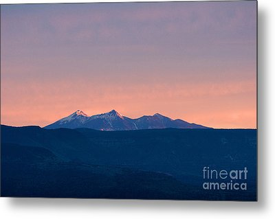 San Francisco Peaks At Sunrise Metal Print by Ron Chilston