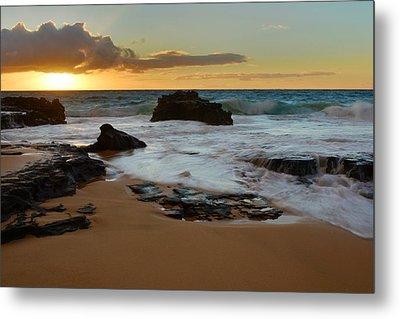 Sandy Beach Sunrise 7 - Oahu Hawaii Metal Print by Brian Harig