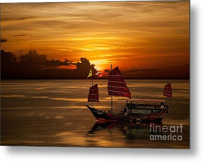 Sanpan Sunset Metal Print by Shirley Mangini