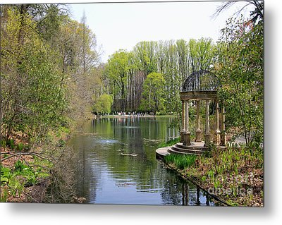 Saturday Afternoon At Longwood Gardens Metal Print by Trina  Ansel