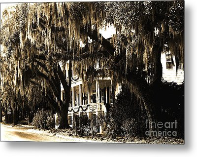 Savannah Georgia Haunting Surreal Southern Mansion With Spanish Moss Metal Print by Kathy Fornal