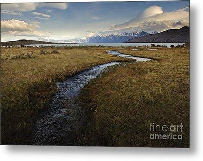 Scenic View Of Lake Viedma Metal Print by John Shaw