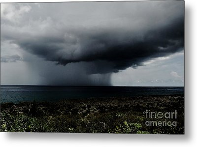 Sea Spout Metal Print