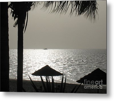 Seaside Dinner For Two Metal Print by Patti Whitten