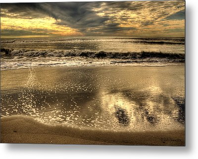 Metal Print featuring the photograph Seaside Sunset by Julis Simo