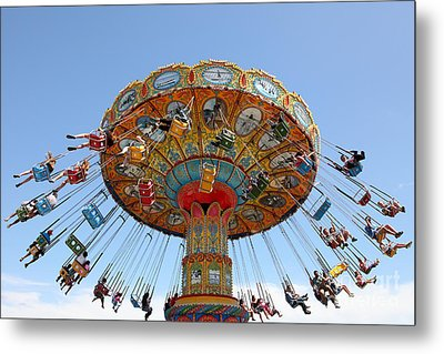 Seaswings At Santa Cruz Beach Boardwalk California 5d23901 Metal Print by Wingsdomain Art and Photography