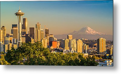 Seattle And Mt. Rainier - City Skyline Photograph Metal Print by Duane Miller