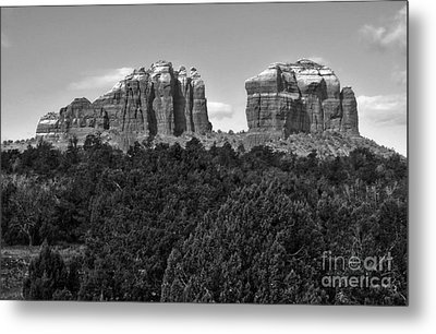 Sedona Arizona Mountains - Black And White Metal Print by Gregory Dyer