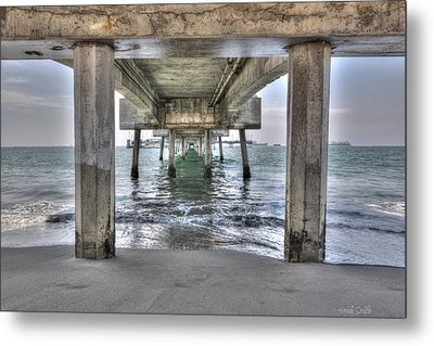 Seeking Shelter From The Sun Metal Print by Heidi Smith