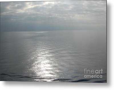 Serenity Sea Metal Print by Linda Prewer