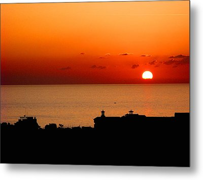 Set Into The Sea Metal Print by Scott Carruthers
