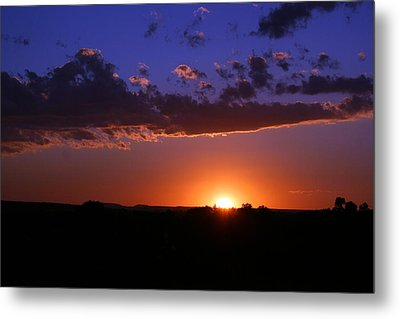 Setting The Western Sky Metal Print by Michele Richter