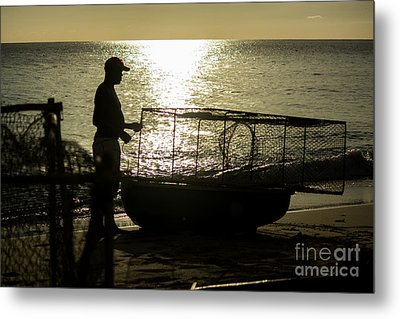 Setting Traps Metal Print by Rene Triay Photography