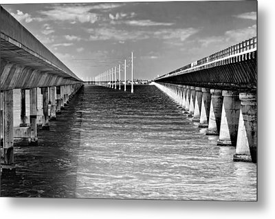 seven mile bridge BW Metal Print by Rudy Umans